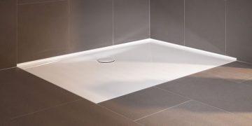 Receveur de douche en acier émaillé avec bords relevés pour éviter les joints silicones