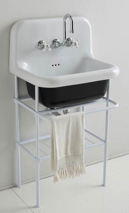 true color de bleu provence un lavabo de style industriel sdbpro. Black Bedroom Furniture Sets. Home Design Ideas