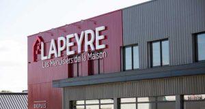 Nouveau cLa nouvelle façade des magasins Lapeyre