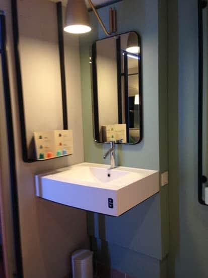 Le lavabo dans la Smart Room des hôtels Accor