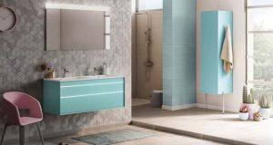 Ambiance avec le meuble de salle de bains Luxi d'Aquarine, bleu