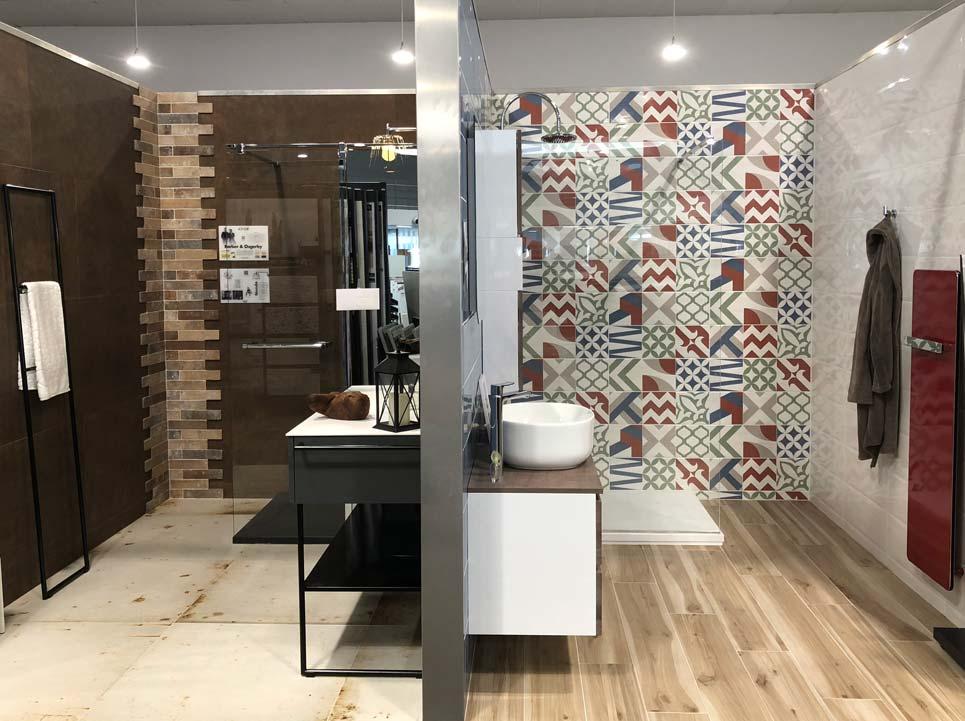 Ambiances de salle de bains dans le magasin VM de Royans