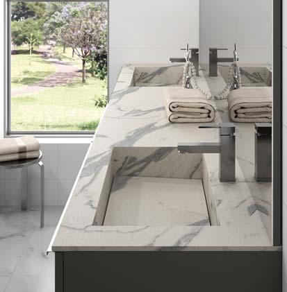 Meuble-vasque Extenso de Cedam, avec plan en stratifié façon marbre.