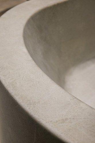 Gros plan sur la fibre de verre de la baignoire VVR de Moab80