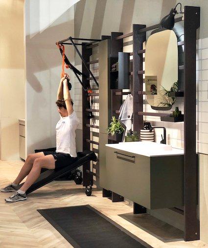 Gym Space de Scavolini : un meuble de salle de bains associé à un espalier