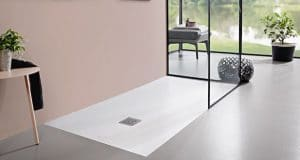 salle-de-bain-avec-le-receveur-planeo-de-villeroy-boch