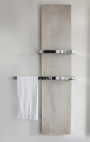 radiateur-vertical-façon-pierre-avec-porte-serviettes