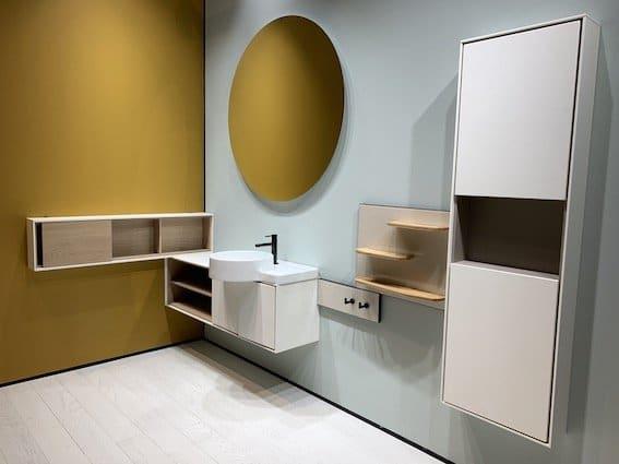 Un-meuble-vasque-et-ses-rangements-mis-en-scène-à-ISH2019