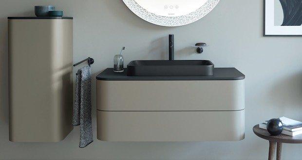 Meuble de salle de bain beige et noir, suspendu