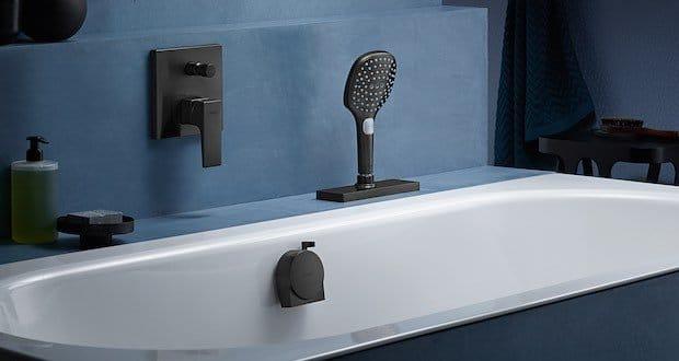 Douchette-extractible-sur-baignoire-encastrée
