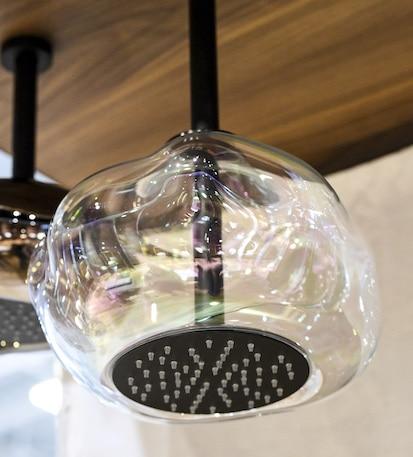 zoom sur la douche de tete bolla de stella
