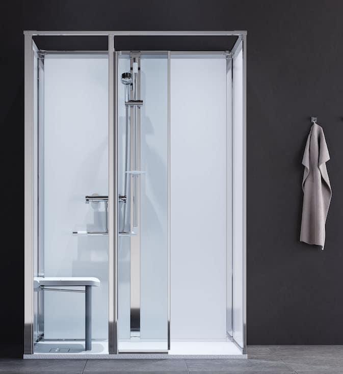 Cabine de douche avec parois de fond blanches et siège