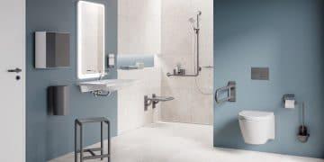 salle de bains handicapé avec douche à l'italienne