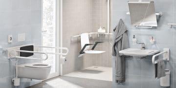 salle de bains pour personne en fauteuil roulant