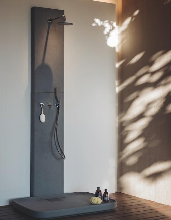 receveur et colonne de douche en ciment petra de Agape