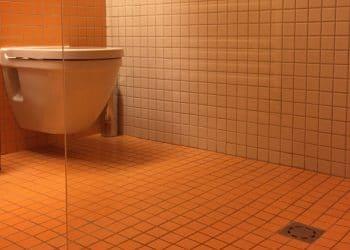 douche zero ressaut avec carrelage orange