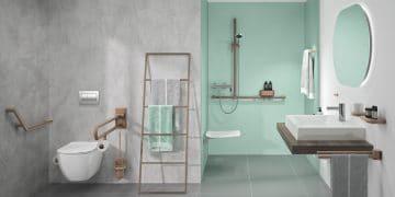 salle de bains pour handicapé avec accessoires de sécuritéNormbau