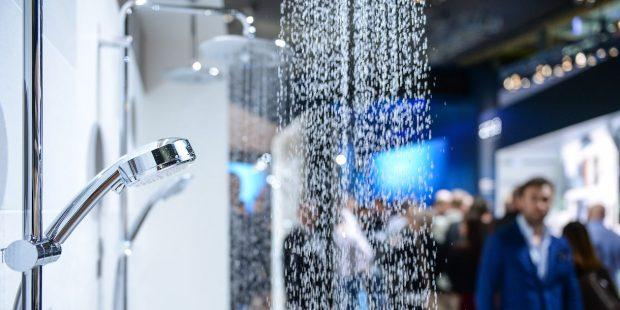 Colonne de douche sur le salon ISH