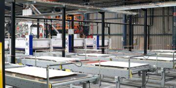 Ligne de fabrication des receveurs de douche à l'usine Acquabella
